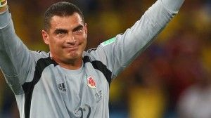 Farid Mondragon, 24 años de carrera se despide en el mundial 2014 http://www.tuingresocyberneticoya.com/gracias-seleccion-colombia-y-jose-peckerman-por-formar-el-excelente-equipo-de-futbol-que-tenemos-en-el-mundial-2014/