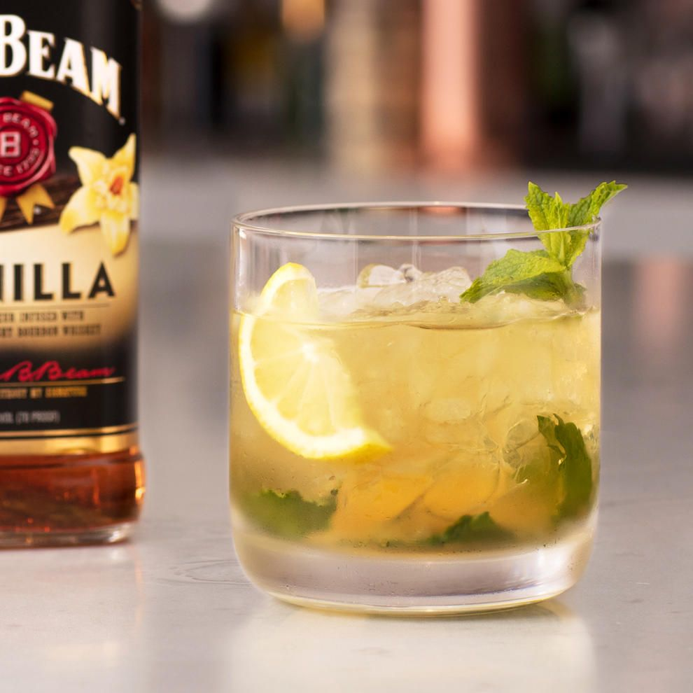 Vanilla Bourbon Smash Drink Recipe Jim Beam Cocktails Recipe Vanilla Drink Recipes Vanilla Drinks Cocktail Recipes Whiskey
