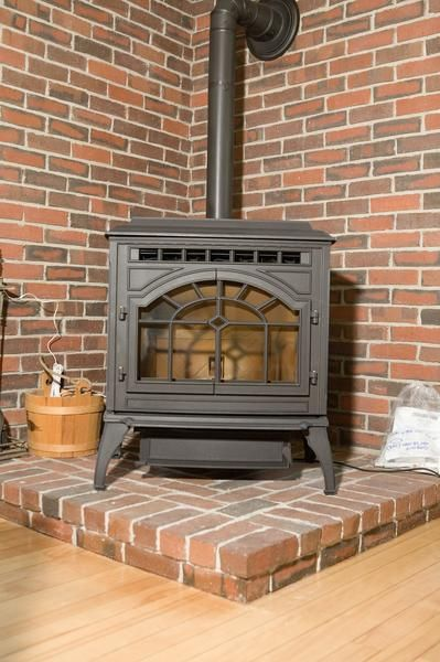 Painting Vs Polishing A Wood Stove Brick Hearth Wood Stove Hearth Wood Heater