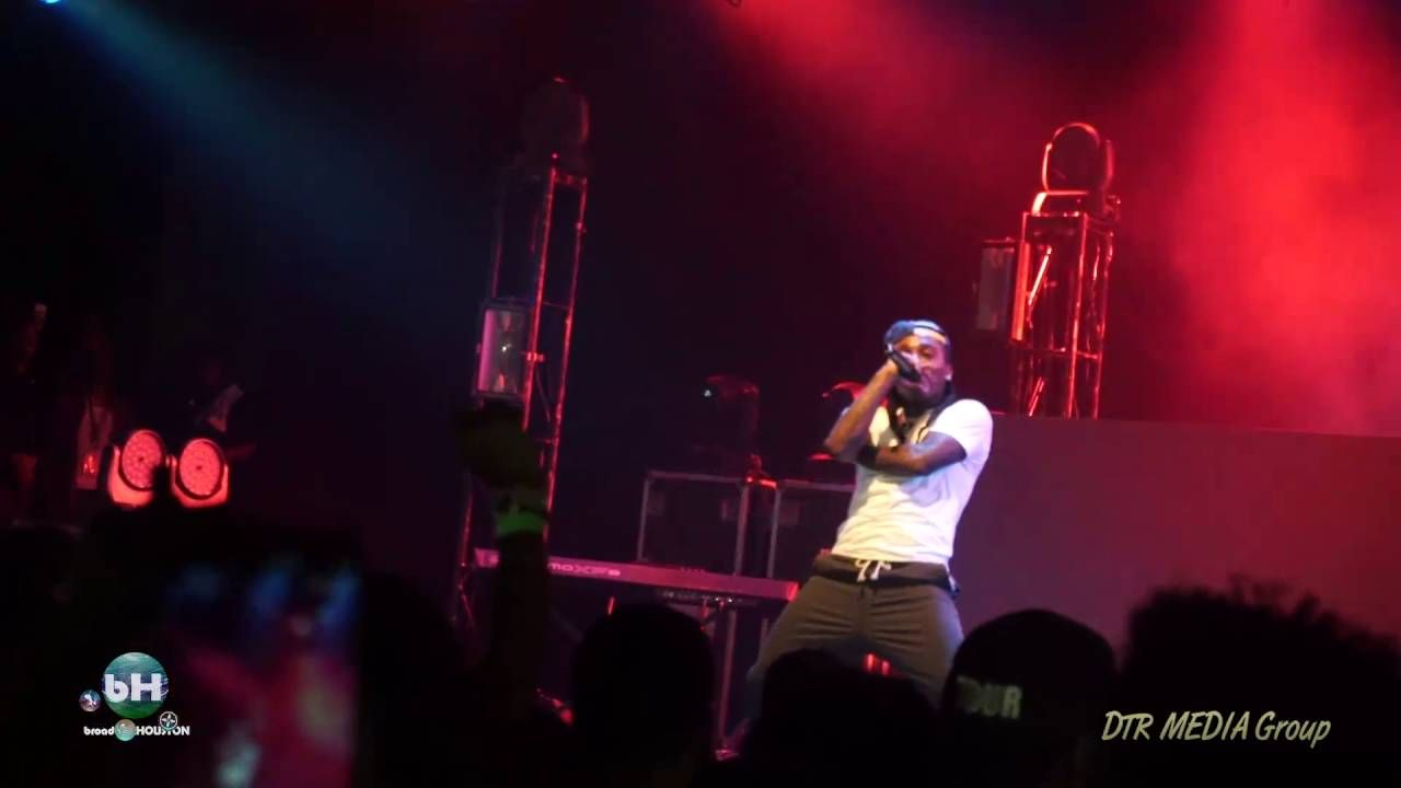 Jacquees Performs Persian Rugs Pelvic