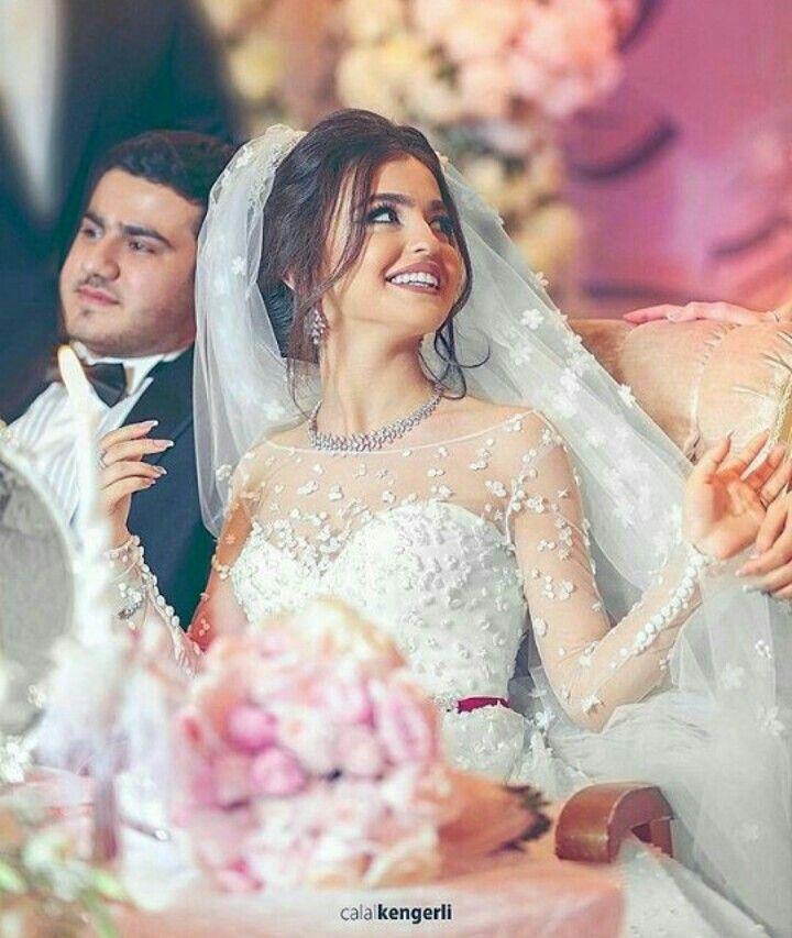 Pin By Lama On Gelin Paltari Bride Photoshoot Afghan Wedding Dress Wedding Dresses