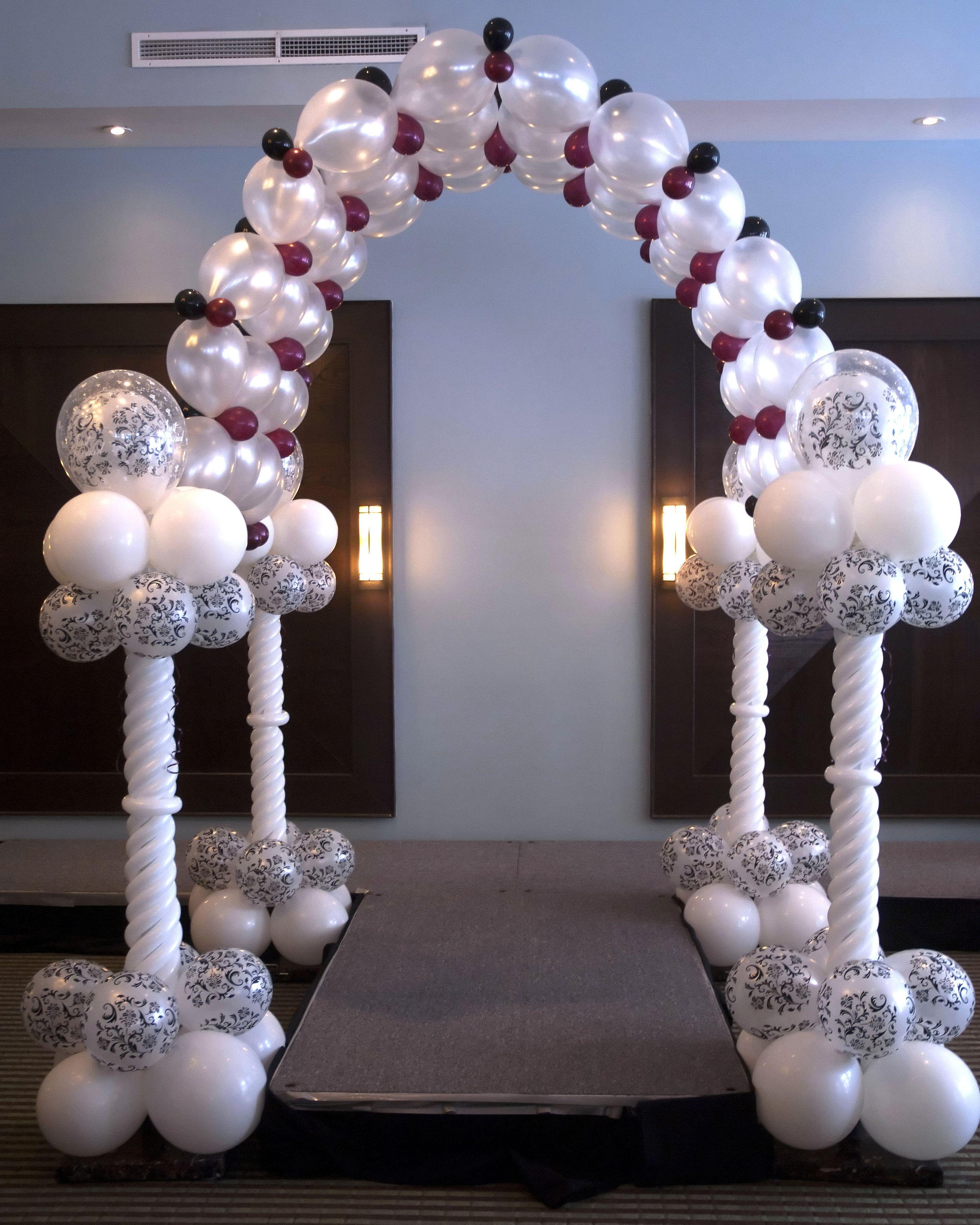 balloon canopy for bridal show runway. #balloon-arch #balloon
