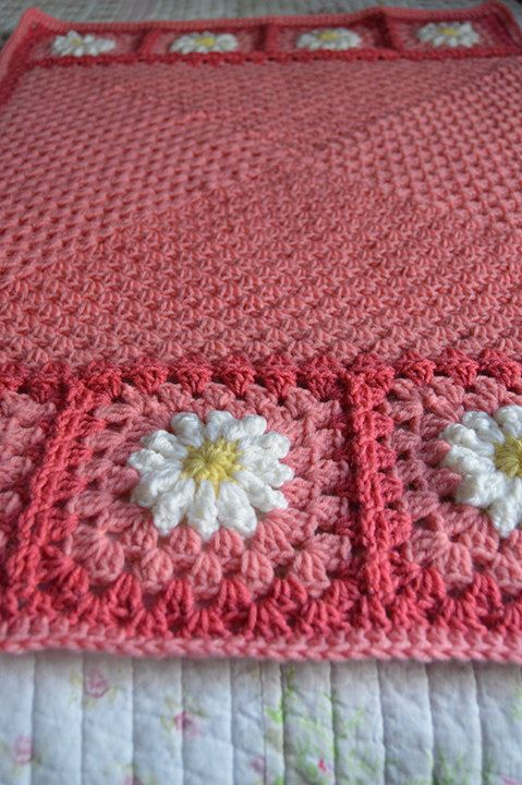PATTERN - Daisies on the Edge - Bubblegum Pink Daisy Flower ...