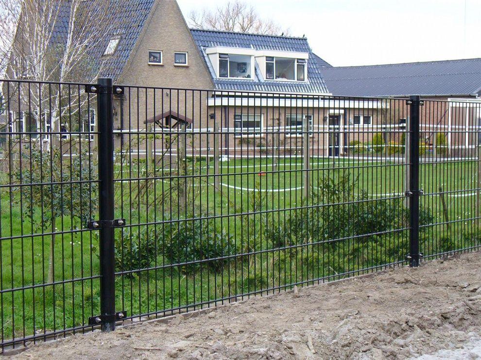 Strak hekwerk rond uw woning of bedrijf: www.zichtdicht.nl