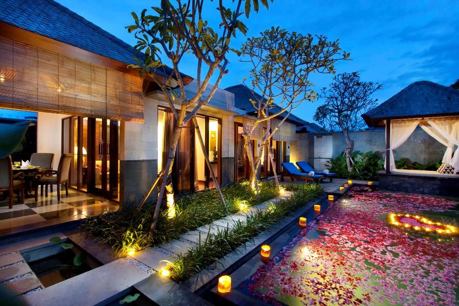 Swimming Pool Decorating Ideas swimming pool ideas for backyard for decorating the house with a minimalist pool furniture fantastisch and attractive 8 Romantic Flowery Swimming Pool Accessories With Pink Rose And Love Candle As Swimming Pool Light Decoration