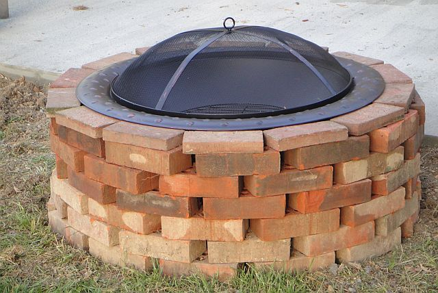 Pin By Gina Mcfarland On Oh Yes I Did Brick Fire Pit Outdoor Fire Pit Old Bricks