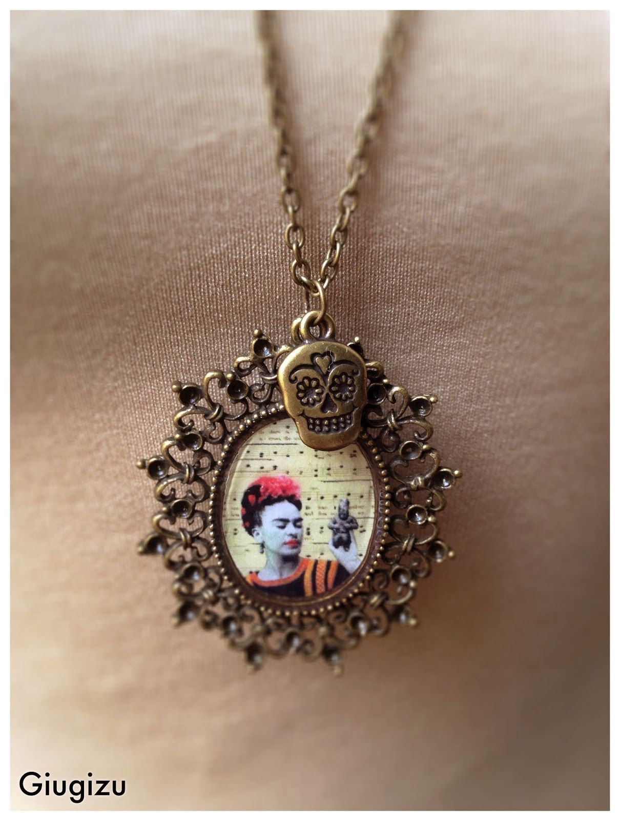 #FridaKahlo #Alteredart #handmade #Jewelry. Check my blog to see the whole set http://giugizu.blogspot.it/2015/04/frida-kahlo-altered-art-accessories.html