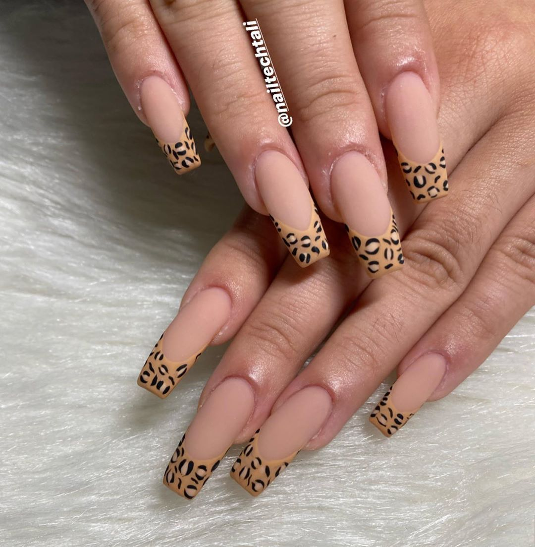 Cheetah French Tip Nails In 2020 Cheetah Nails Cute Acrylic