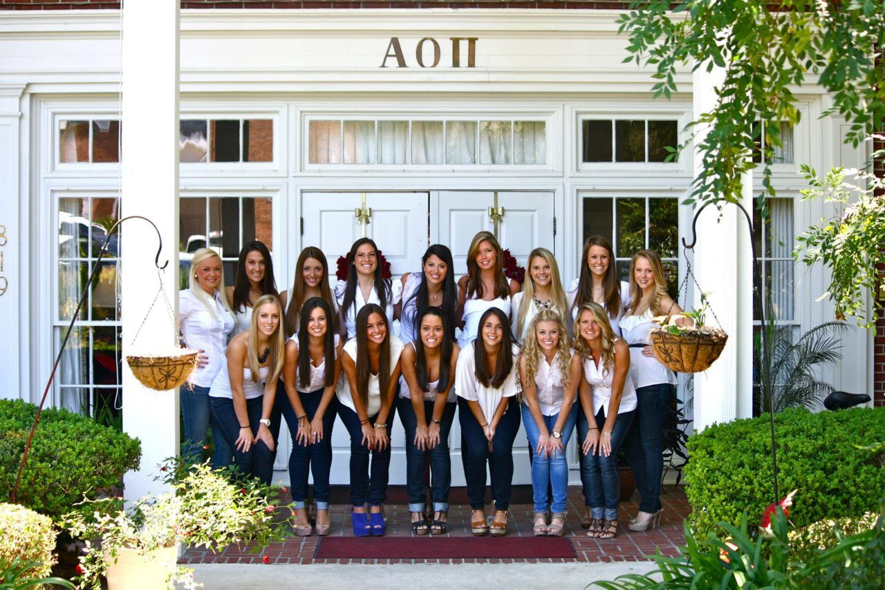 why you should live in your chapter's sorority house | sorority