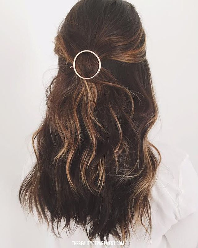Barrette Hairstyles Classy Obsessed With This Accessorythere Are More Than Enough Ways To