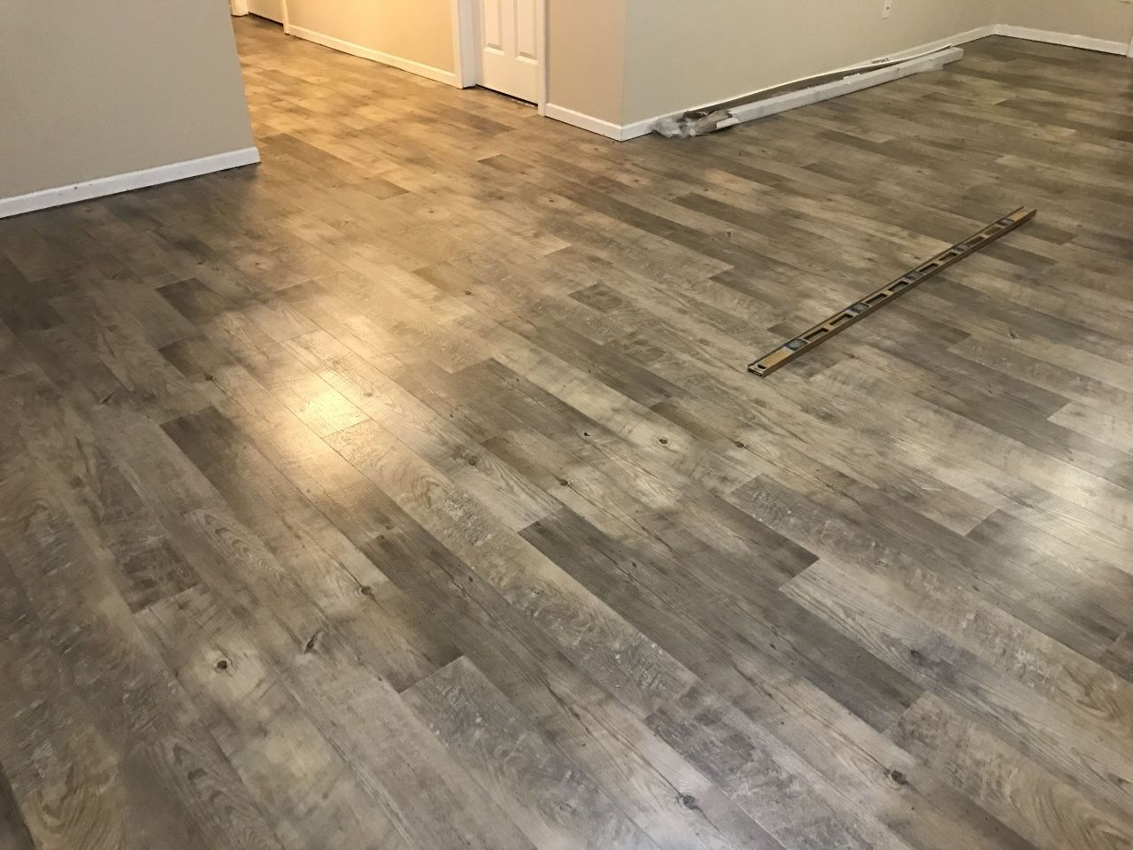 Best Vinyl Plank Flooring for Basement in 2020