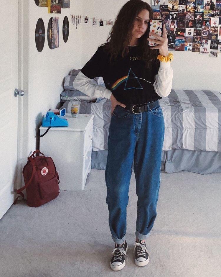 "grunge, publicaciones artísticas + estéticas en Instagram: ""comente su signo zodiacal 🦋 – – – – – – #ropa #estética #estética #goldenhour #ropa #clothesaccount #aestheticclothes # tumblr …"""