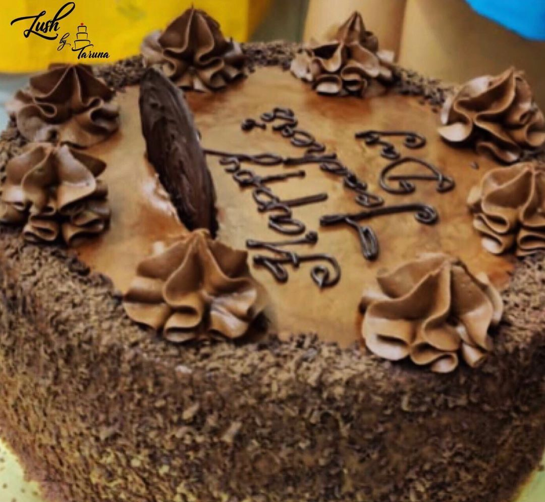 Rich Chocolate Cake with a filling of Decadent Chocolate Mousse topped with Velvety Chocolate Ganache 👩🍳 . . . Belated Teachers Day Celebration Cake 🎂 . . .