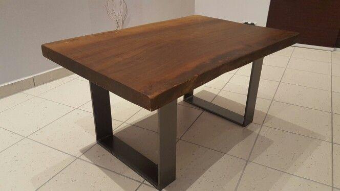 walnussholz metallf sse tisch tische tisch table pinterest tisch holz und metall. Black Bedroom Furniture Sets. Home Design Ideas