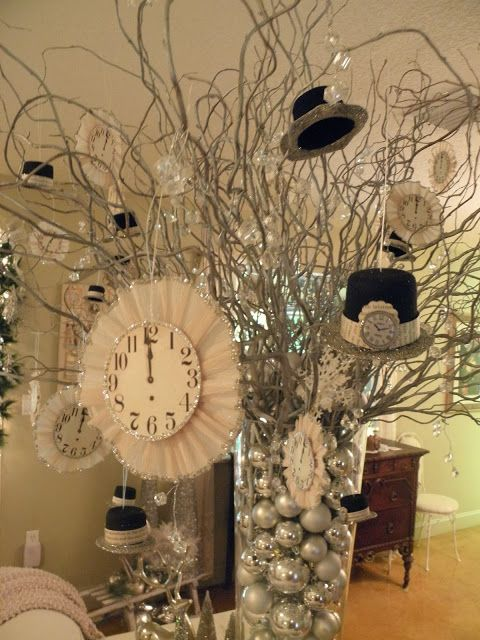 A New Year's centerpiece with cute little top hats and ...