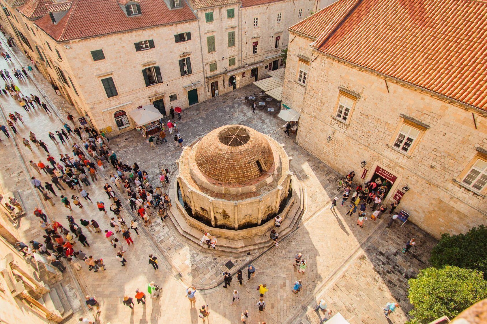 L Echo Touristique Venise Rembarre Les Paquebots Et Dubrovnik Impose Des Quotas L Hostilite Croissante A L Egard Du S Dubrovnik Dubrovnik Croatia Croatia
