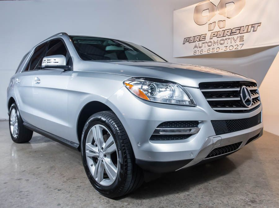 ChasingAsphalt.com – automotive photography | Behind the scenes: A studio shoot with a Mercedes Benz ML350