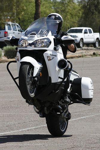 Kawasaki Gtr1400 Us Motorcycle Pictures Motorcycle Police