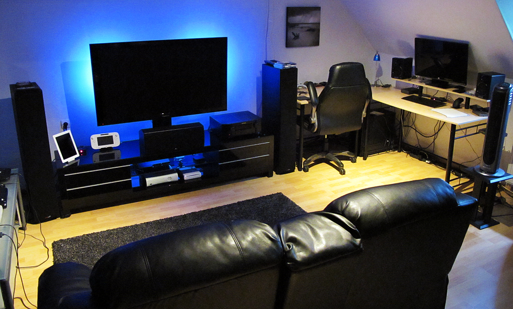 Show Us Your Gaming Setup 2013 Edition Living Room Setup Gaming Room Setup Room Setup