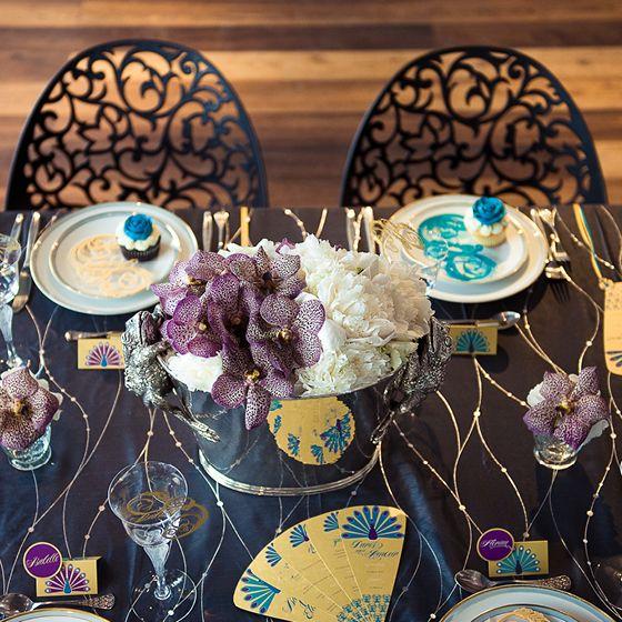 glamour der 20er jahre ein pfau viel lila und eine mond ne eleganz unser styled shooting. Black Bedroom Furniture Sets. Home Design Ideas
