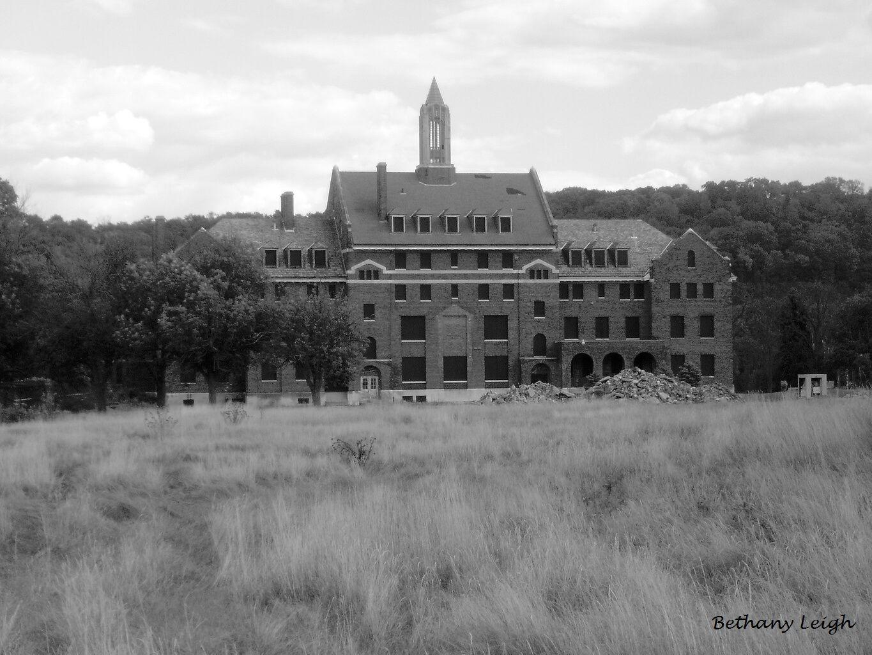 Abandoned Western Center Canonsburg Pa Http Bethanyleighphotography Com Haunted Places Abandoned Hospital Abandoned