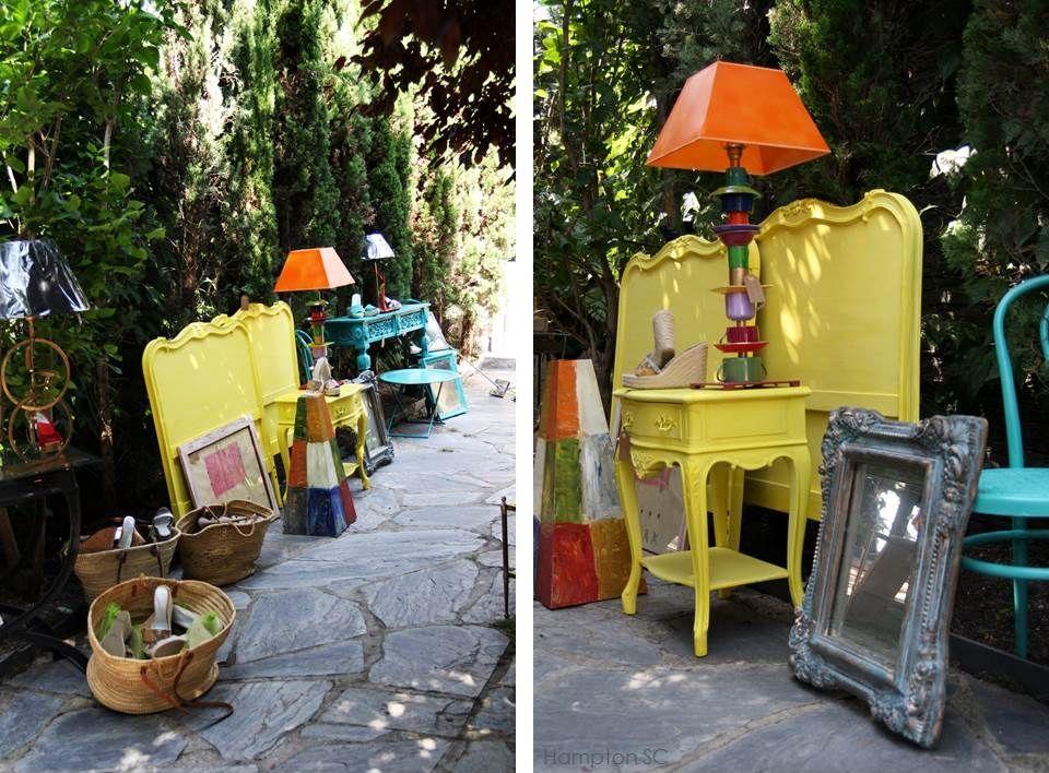 Los muebles antiguos y pintados en colores fuertes son tendencia