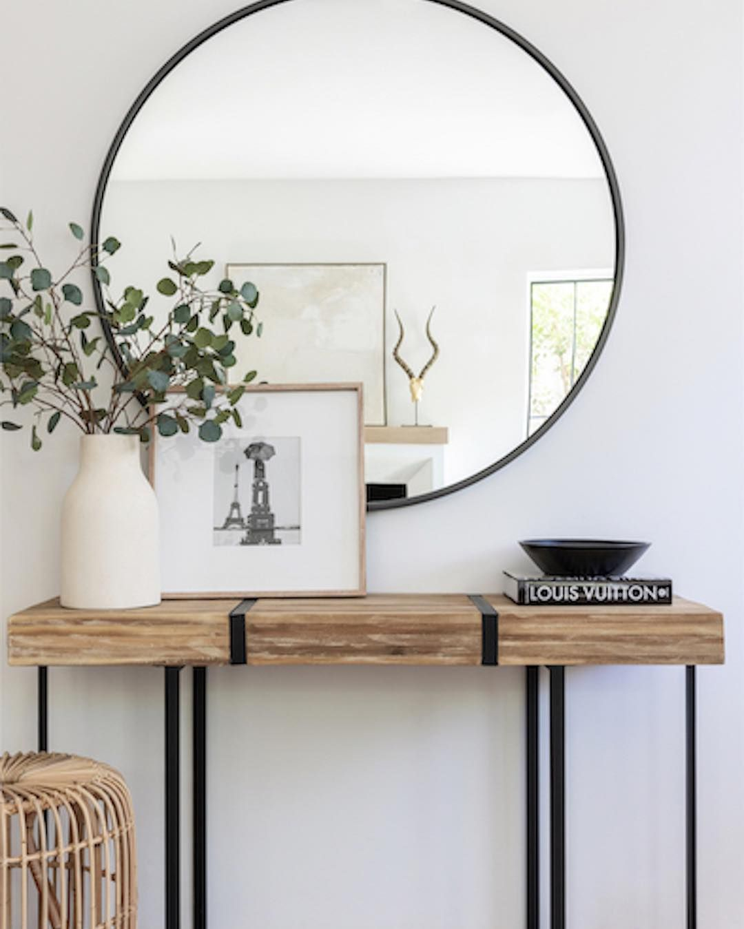 "Melissa Shapiro Interiors on Instagram: ""Natural, organic materials juxtapose sleek metal lines in this fresh and timeless entry. @kelseywillpederson @bethanynauert @aldikhome…"""
