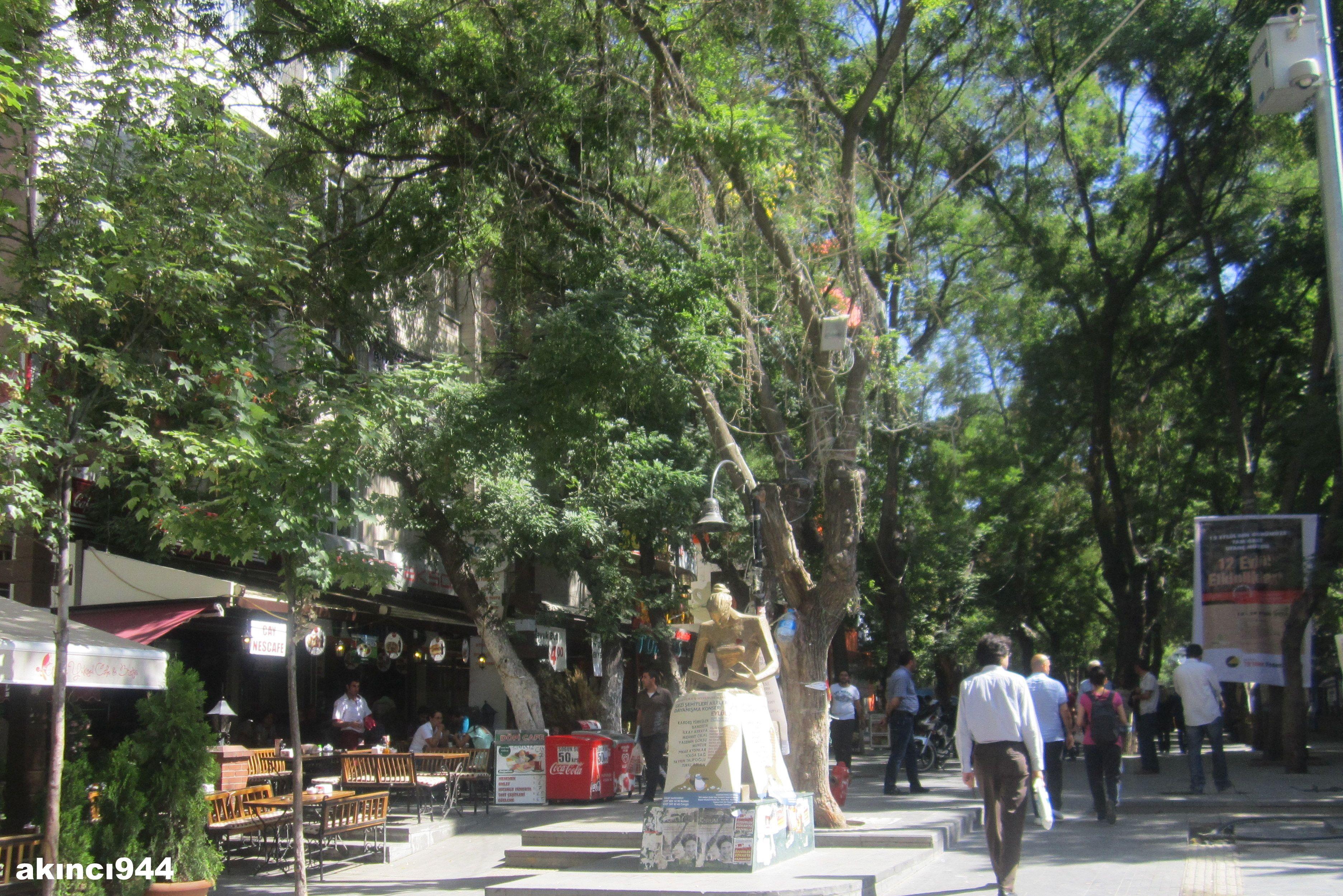 Ankara Sakarya Caddesi Insan Hakları Heykeli Googleda Ara Web
