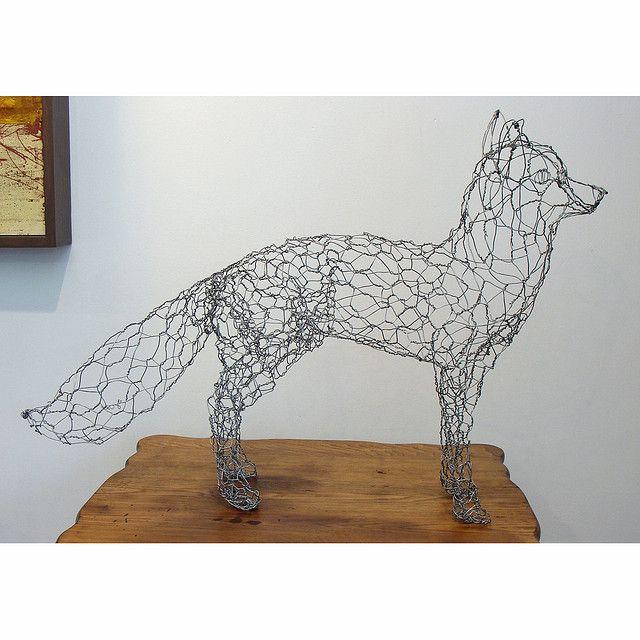 wire-sculpture-fox-right | Foxes, Wire art and Paper mache