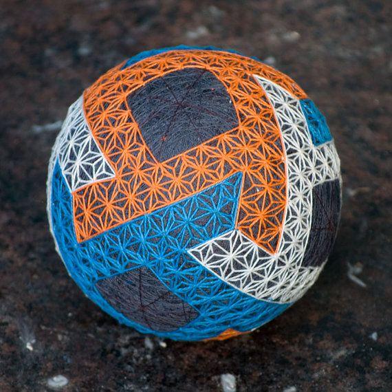 Three-color temari ball
