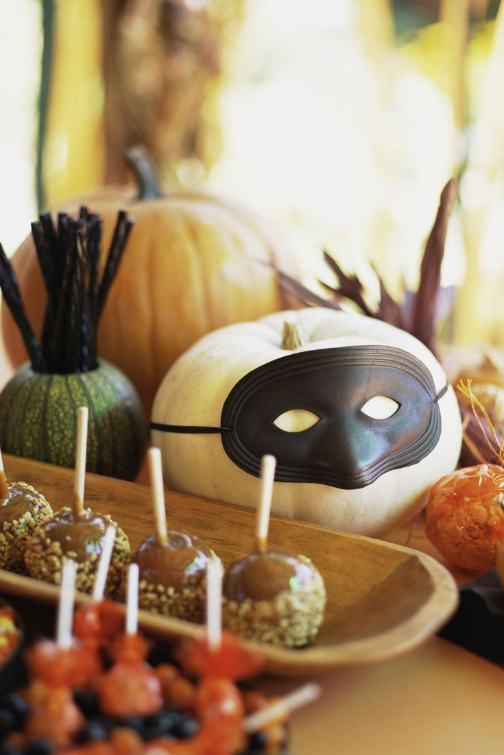 13 Non-Cheesy Yet Adorable Halloween Decorations For Your Home - Halloween Party Decoration Ideas Adults