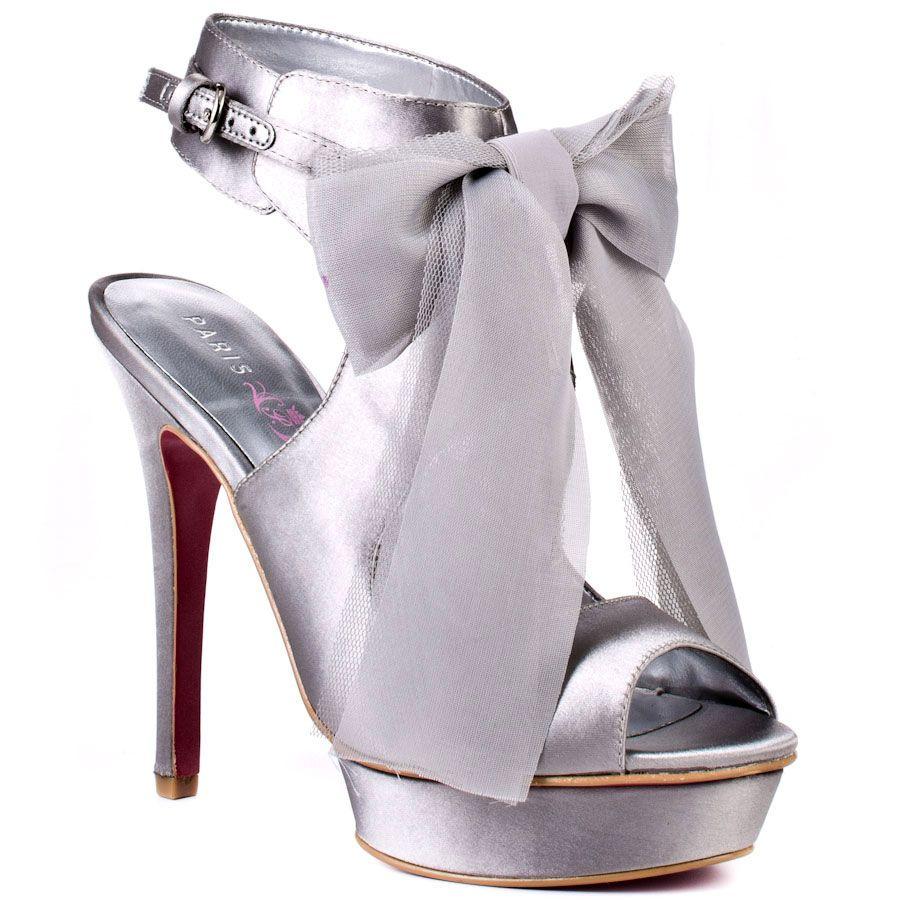 Converse Ayakkabıyı Sim ile Süsleme