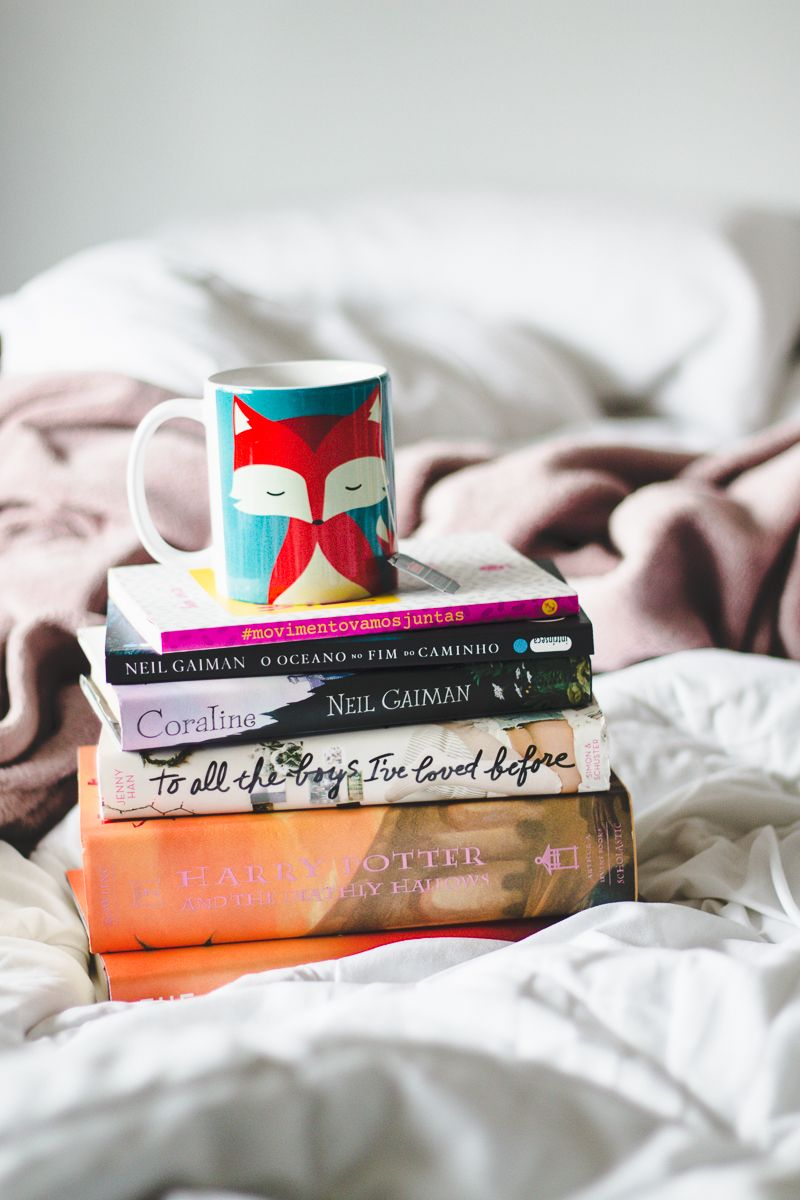 Melina Souza - Serendipity <3 http://melinasouza.com/2016/06/22/fall-time-cosy-time-book-tag/ #Mug #Book #Tea #Fox #MelinaSouza