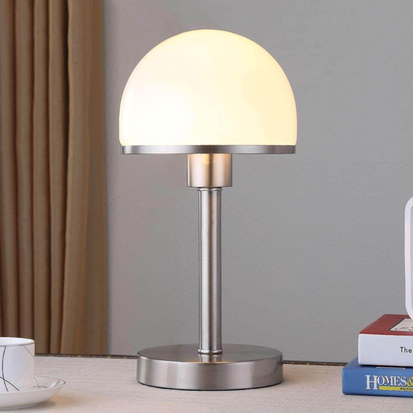 Stijlvolle Tafellamp Jolie Met Glazen Kap Van Lindby In 2020 Tafellamp Binnenverlichting Bureaulamp