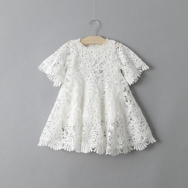 The perfect dress for your boho baby. Crochet bell sleeves and fringe detail set this dress apart from the rest. Check the measurements. Size Chest (cm) Length