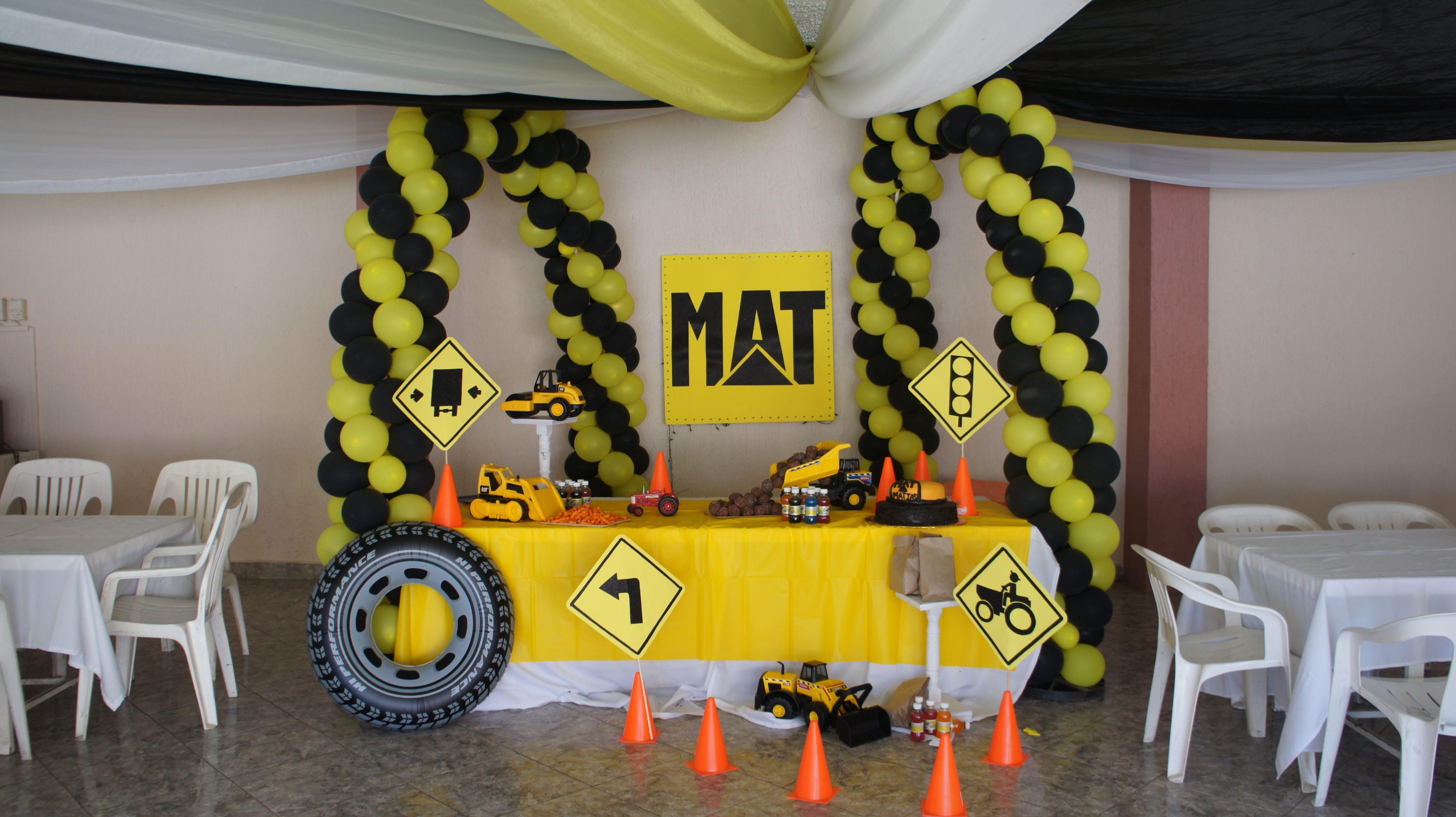 Tema camiones cat fiesta equipo pesado pinterest for Decoracion construccion