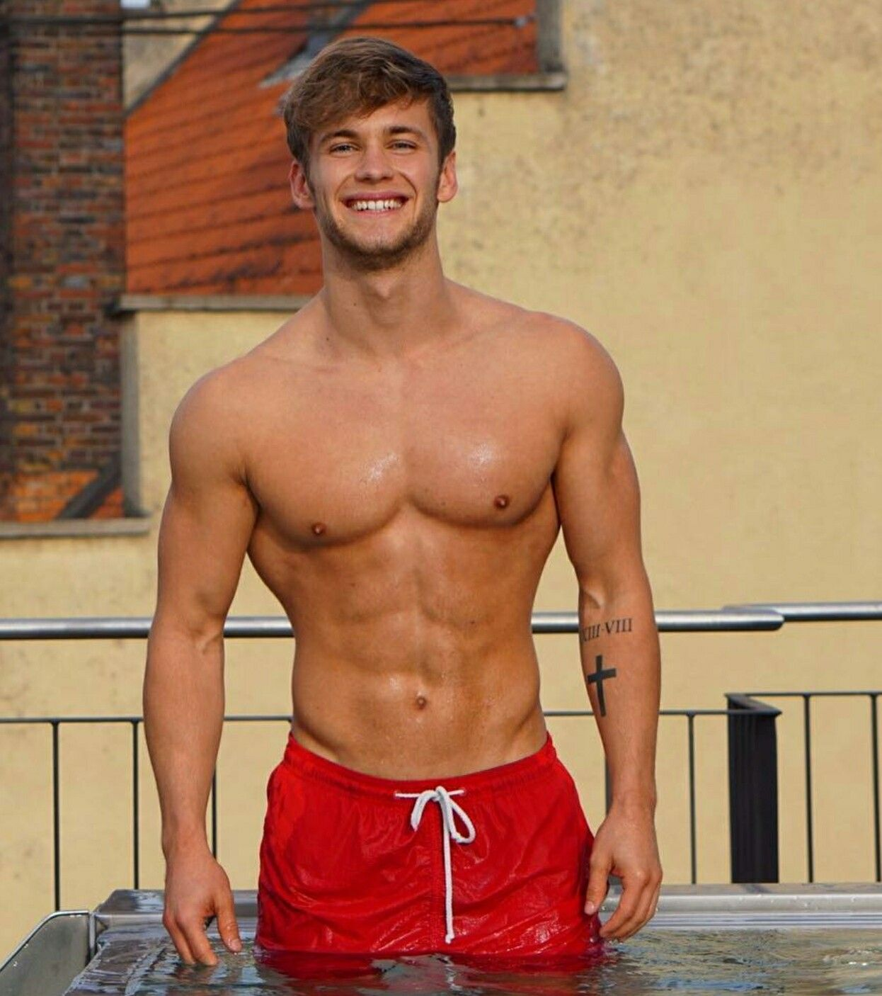 Pin by Dee on carn TURKA | Muscle men, Big muscles, Mens