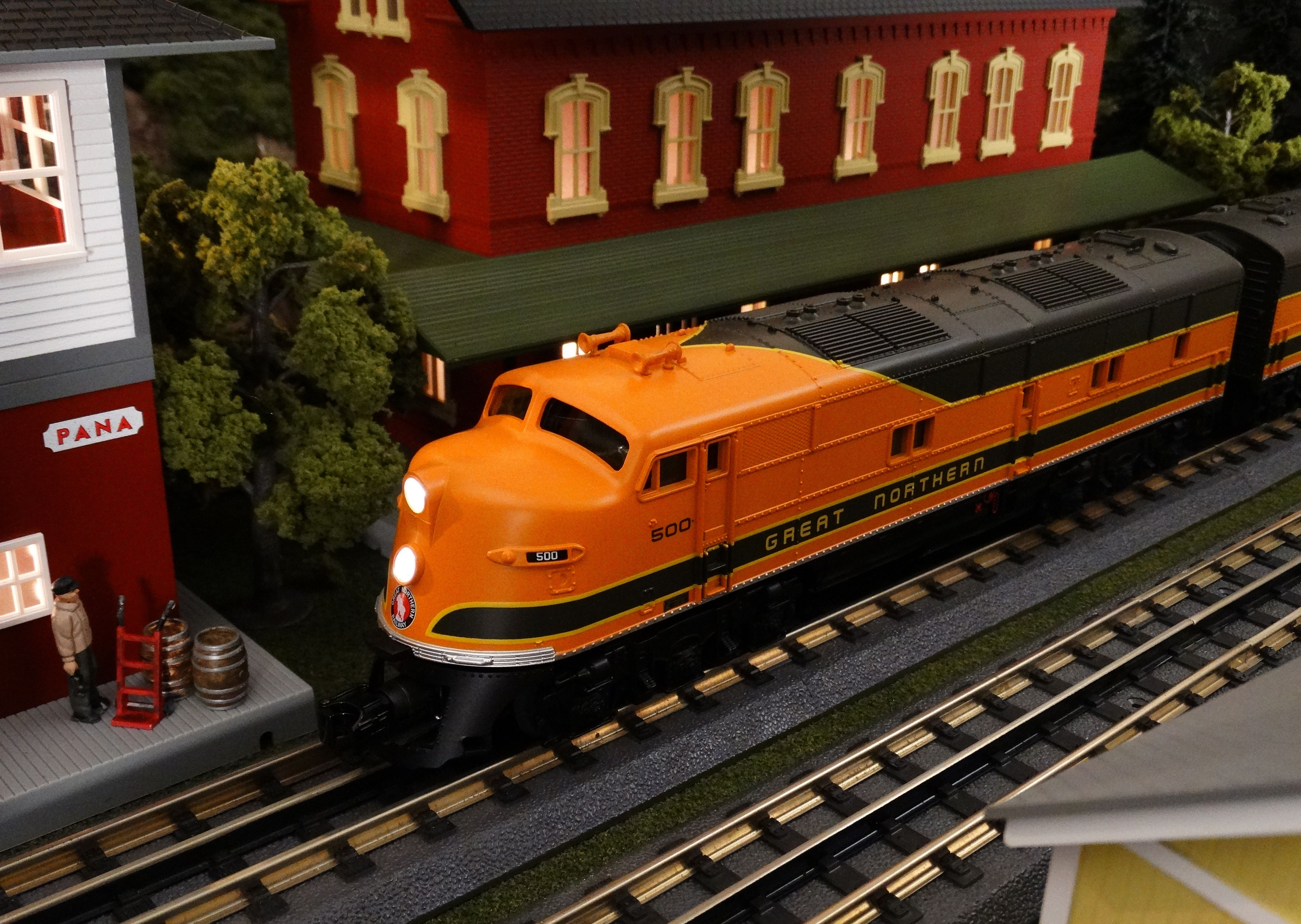 Find It Locally http://www.mthtrains.com/30-20251-1 Now arriving MTH RailKing O Gauge Great Northern E6 AA Set item 30-20251-1. This Great Northern E6 Set operates on O-31 Curves and have a MSRP of $369.95. Ask your MTH Dealer about a RailKing Diesel Today. Use the link above to Find It Locally at a MTH Dealer.