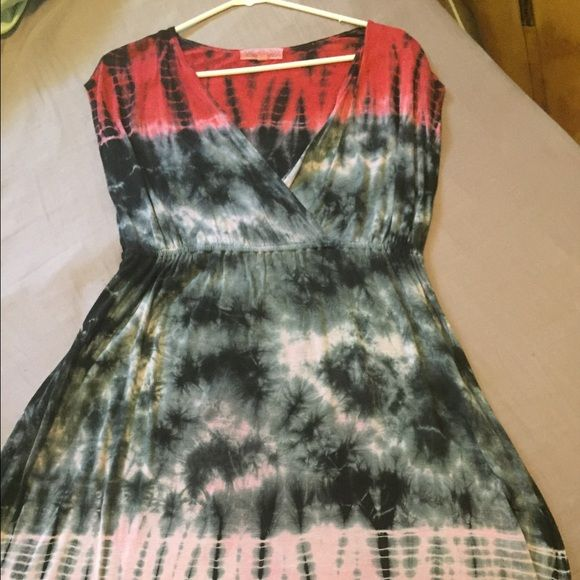 Black and red tye dye shirt sleeved dress EUC, made in India, comfy and fun! Pink Rose Dresses Midi