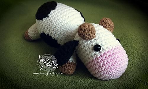 Cow pattern by Lanas y ovillos | Cow Crochet Patterns | Pinterest