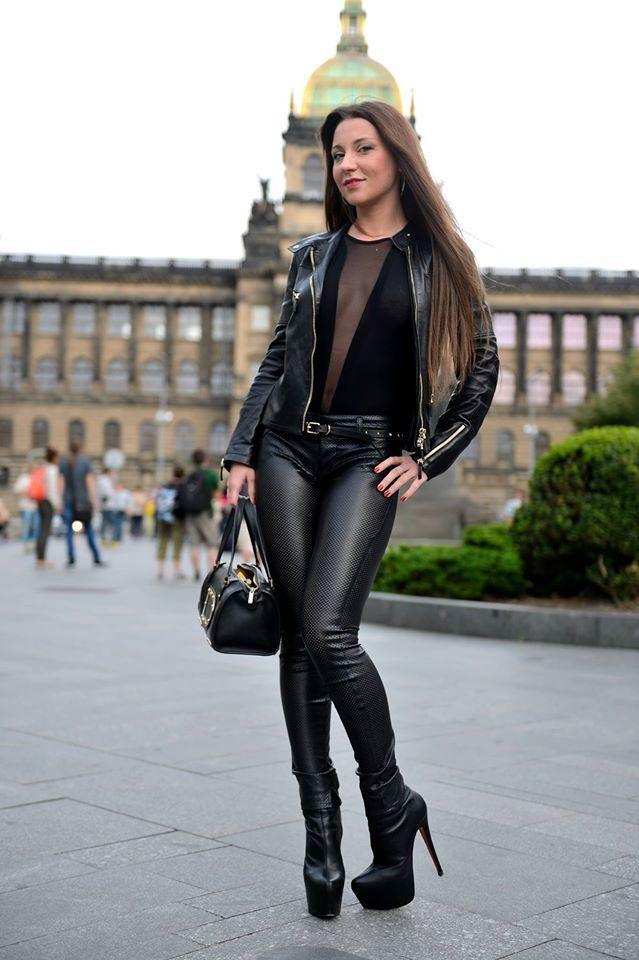 dag tijd mistressmistress brunette