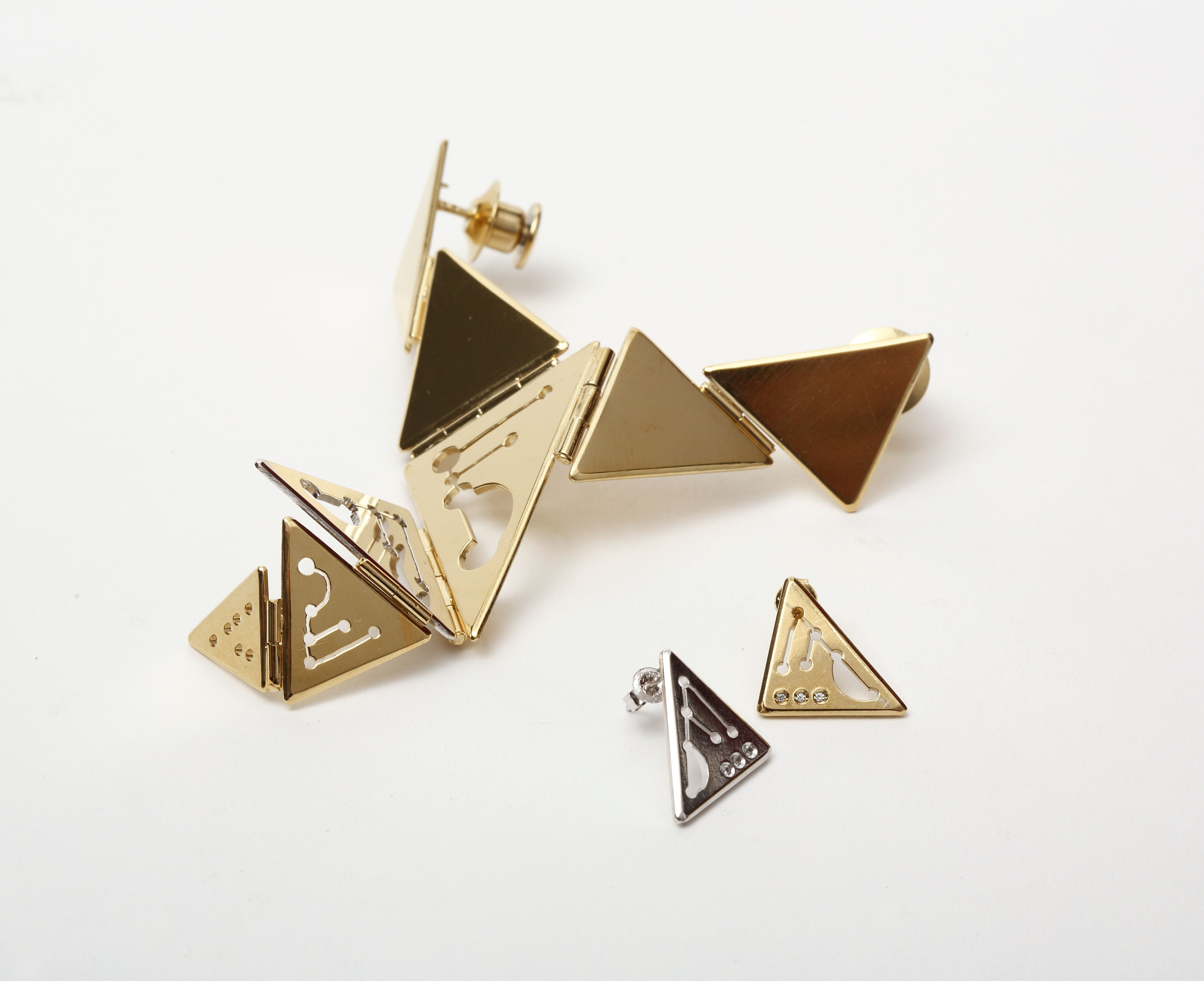 입을 열다(Talk to you)/ brass, gold plating