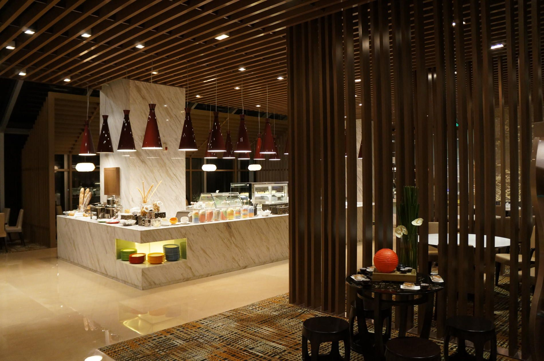 Ultra contemporary hotel in zhongshan china by dwp for Authentic chinese cuisine for the contemporary kitchen