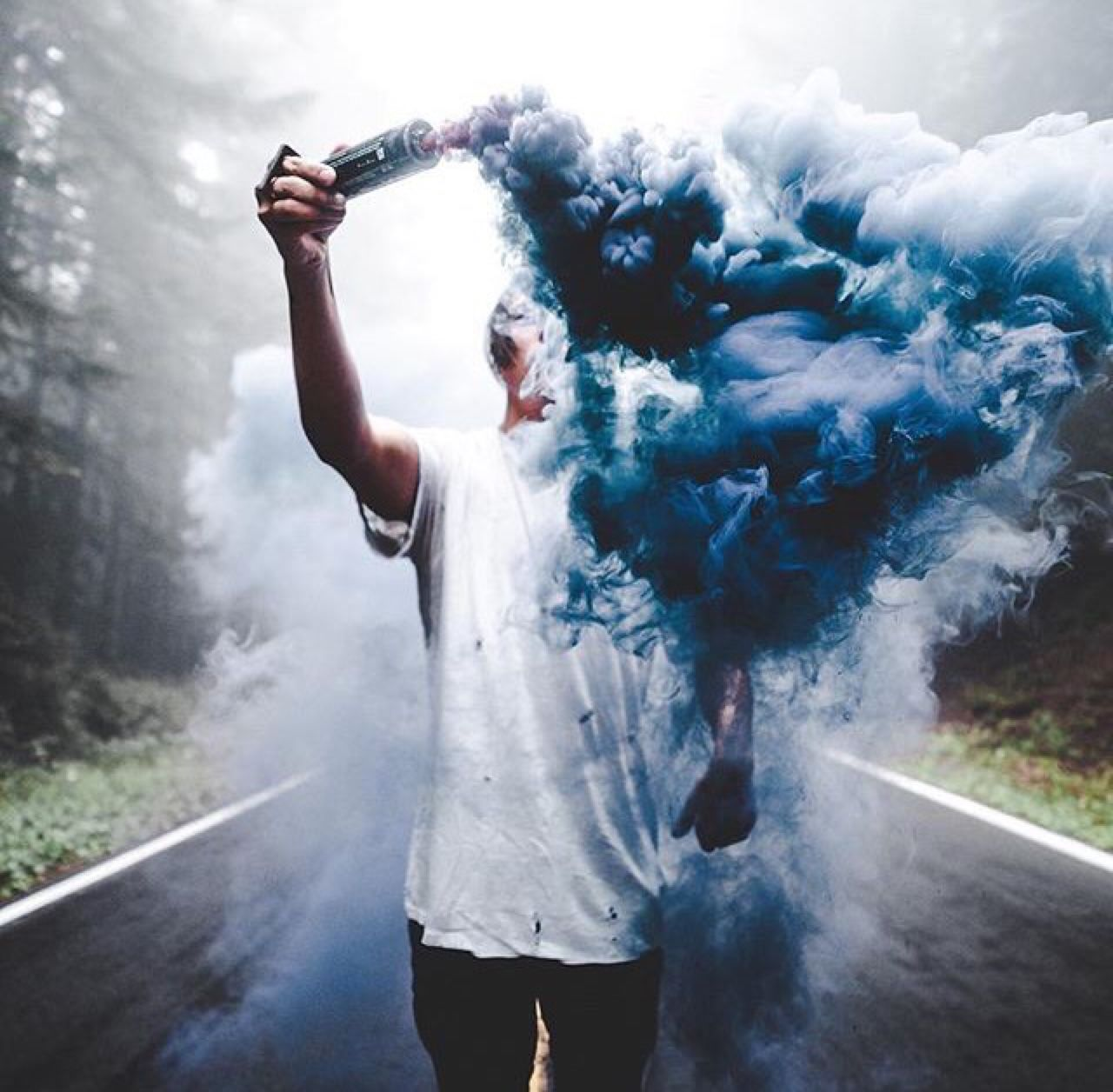 smoke bomb | Tumblr | Smoke bomb photography, Smoke ...