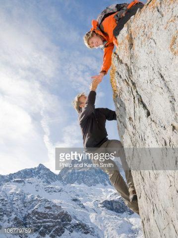 man in a precipice from below - Cerca con Google