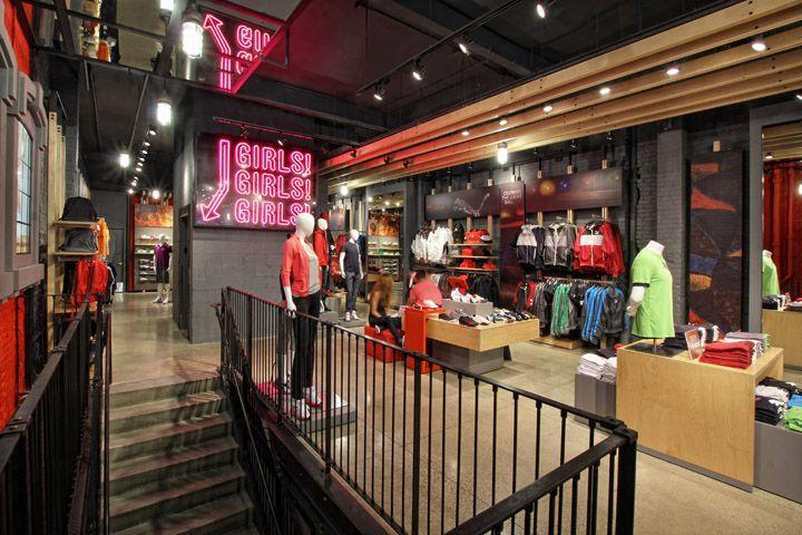 PUMA SoHo Store by Colkitt Co New York 08 PUMA SoHo Store by Colkitt   Co  and Plajer   Franz dc8514b01f68