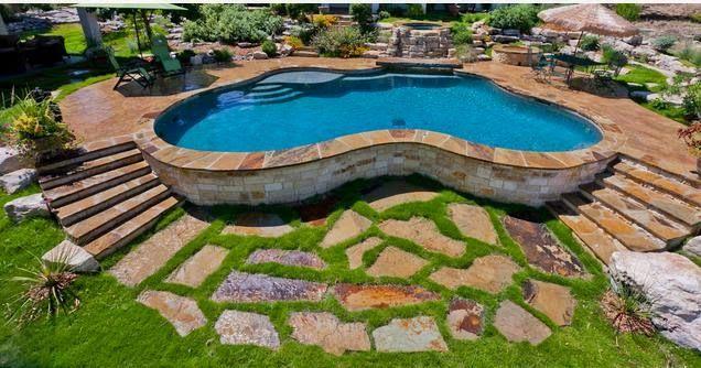 Piscina con piedra buscar con google jardins for Diseno de piscinas para casas de campo