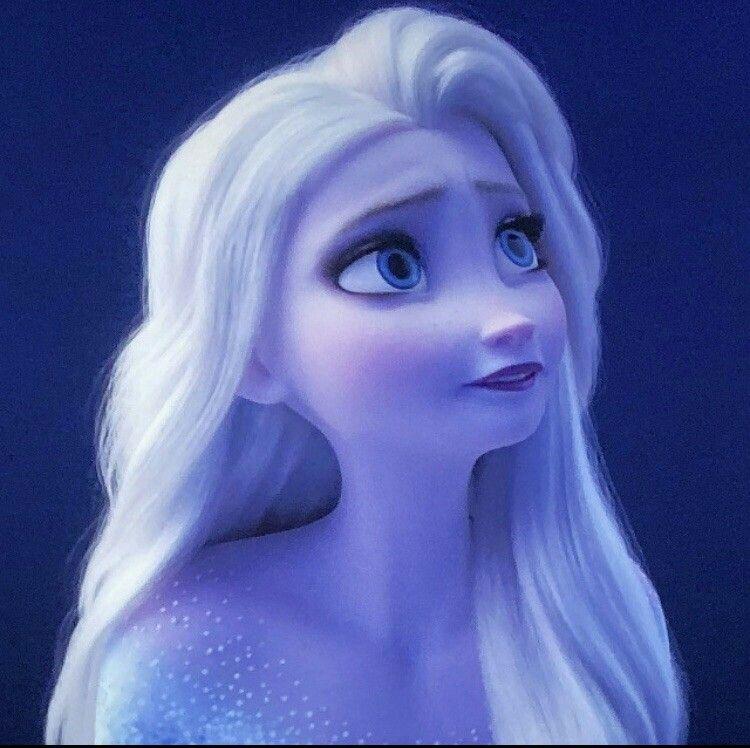 Queen Elsa With Hair Down Frozen2 Gorgeousqueen Showyourself Disney Princess Wallpaper Disney Princess Elsa Disney Frozen Elsa