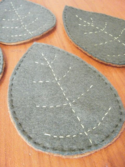 Felt Leaf Coasters #autumncolours