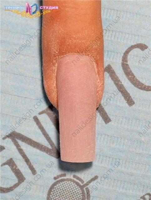 откорректированных ногтей